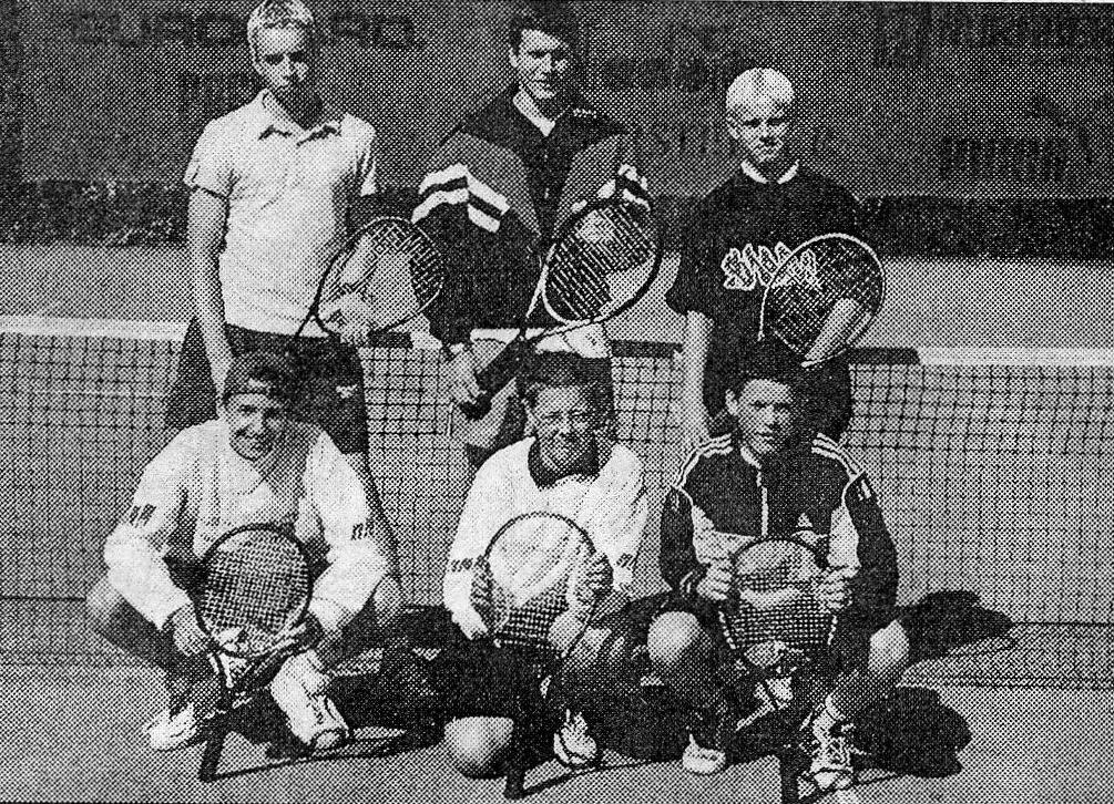 Aufstieg Junioren in die Bezirksoberliga 2002 o. v. l. Hagen Baldzer, Dirk Herbst, Robert Müller u. v. l. Daniel Wenner, Christoph Lehmann, Dirk Zschiesche